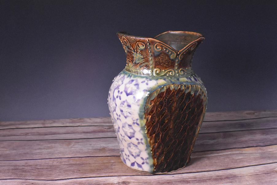 Artisans Corner Gallery Vase Joy Ingram Brown bear Pottery