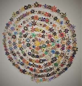 artisans-corner-gallery-in-the-round-art-show